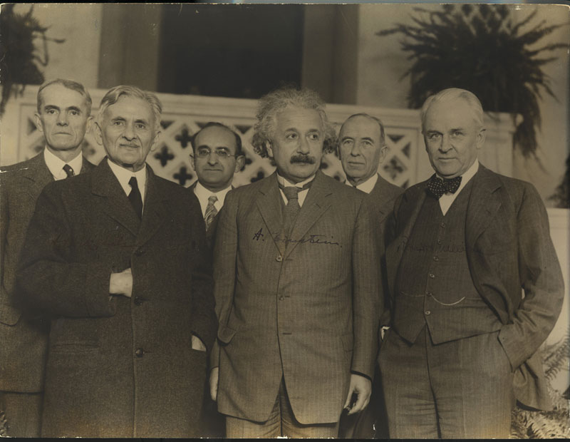einstein and physicists millikan invitation 30 Photos to Celebrate Flickr Commons 5th Anniversary