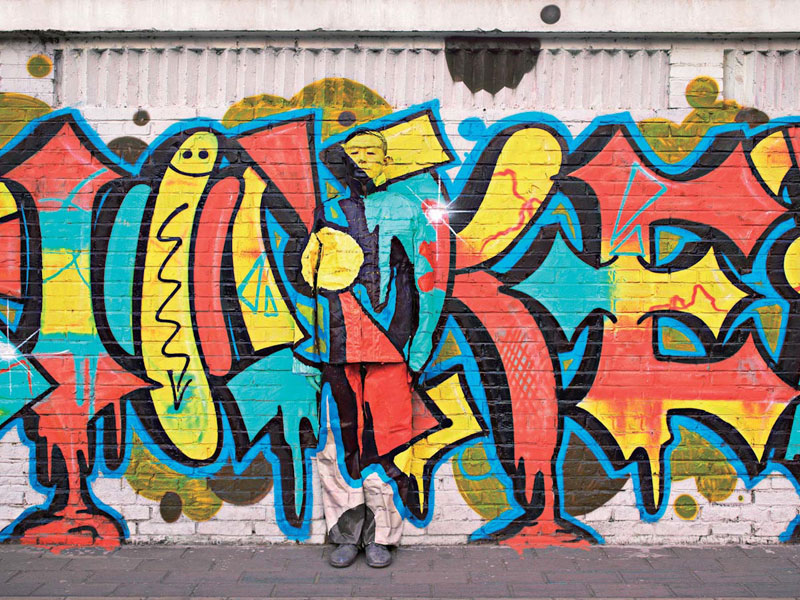 liu bolin art hi res hide in the city china camouflage painting (25)
