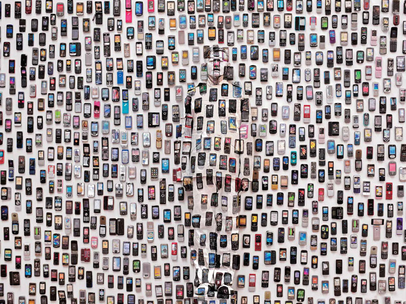liu bolin art hi res hide in the city china camouflage painting (26)