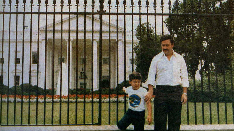 pablo escobar in front of the white house with his son