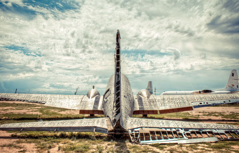 the boneyard project art on old planes (15)