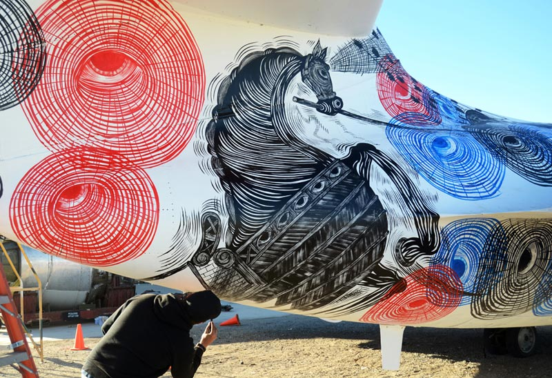 the boneyard project art on old planes (4)