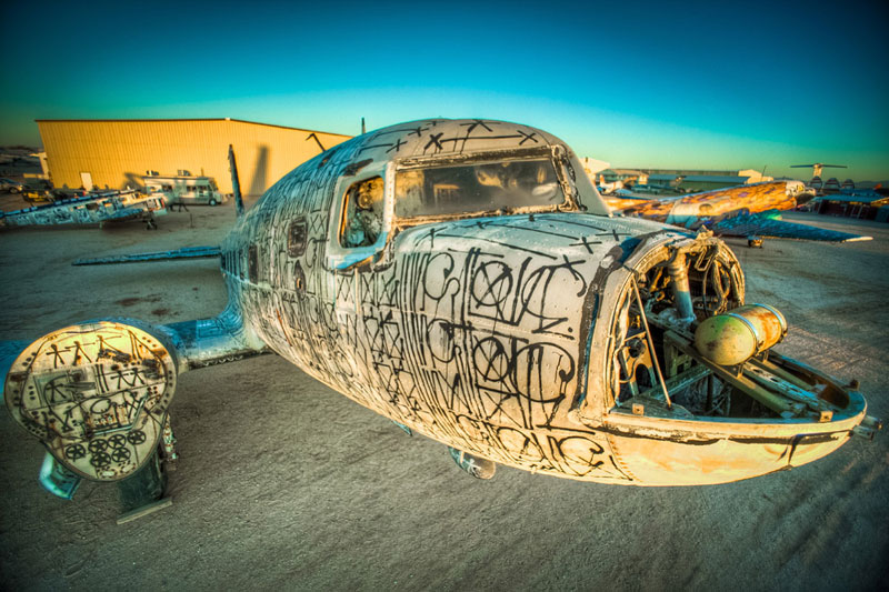 the boneyard project art on old planes (8)