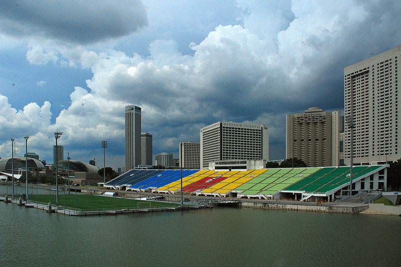 the float at marina bay singapore floating field stage worlds largest (3)