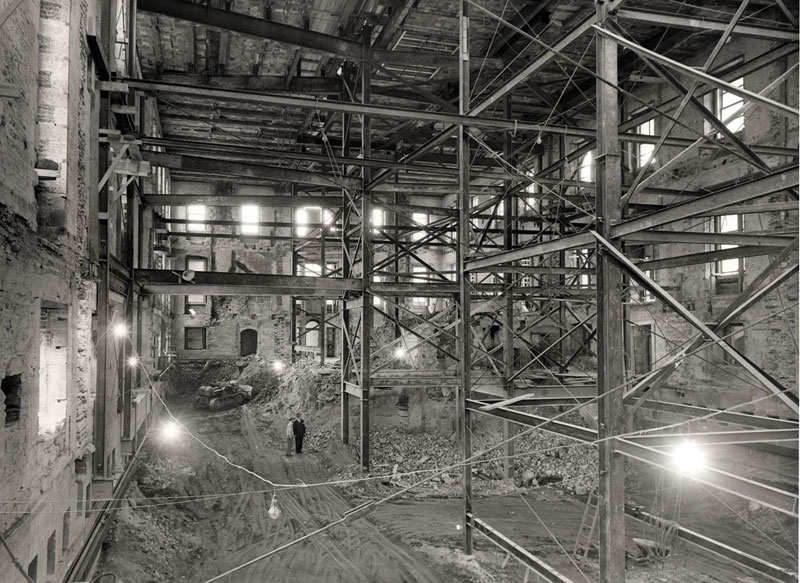 white house gutted truman restoration 1949 1951 3 Rare Photos of the Statue of Liberty Being Built in 1883