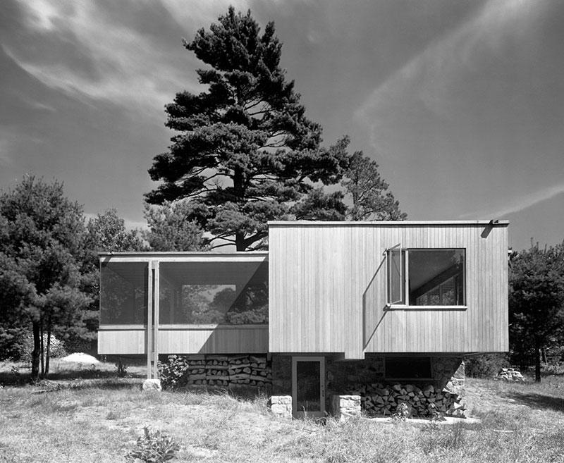 Chamberlain-Cottage,-Walter-Gropius,-Marcel-Breuer,-Wayland,-MA,-1942-ezra-stoller