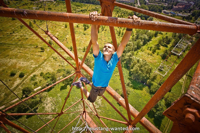 extreme rooftopping skywalking photos mustang-wanted russia (1)