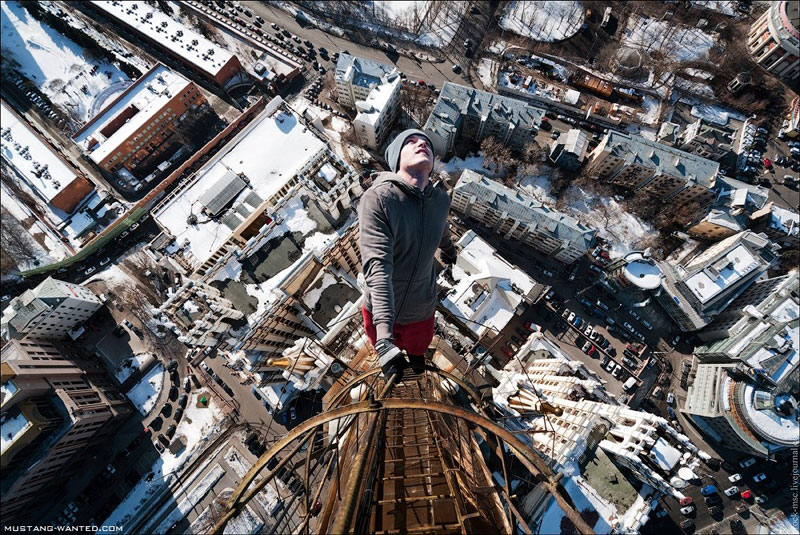 extreme rooftopping skywalking photos mustang-wanted russia (20)