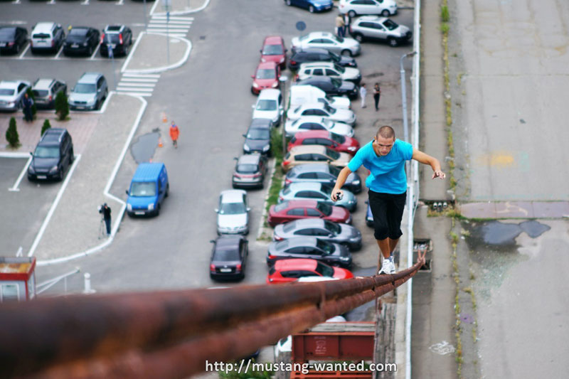extreme rooftopping skywalking photos mustang-wanted russia (4)