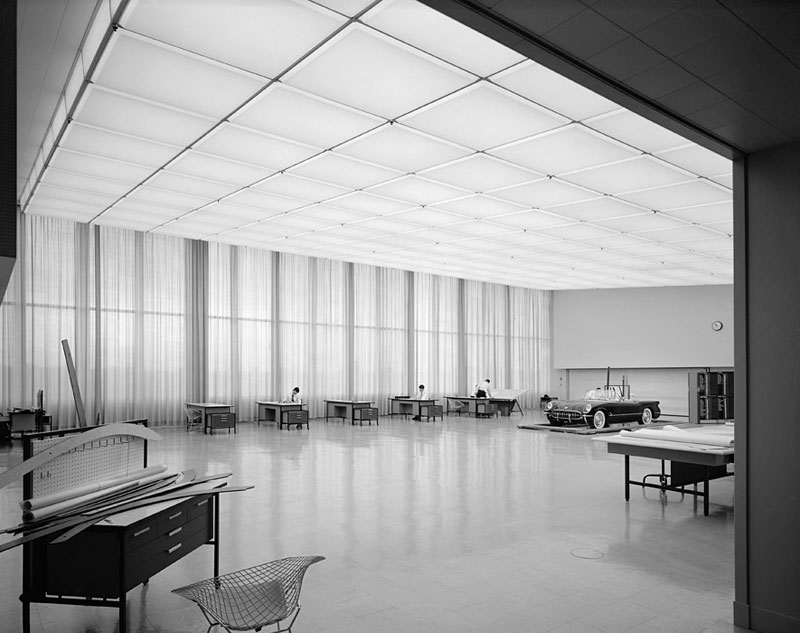 General-Motors-Technical-Center,-Eero-Saarinen,-Warren,-MI,-1955-ezra-stoller