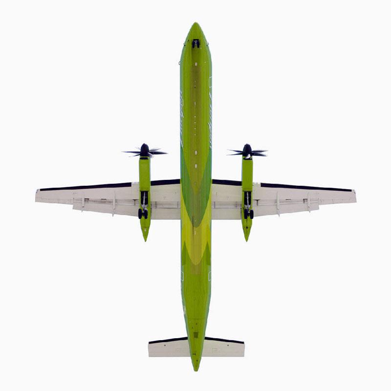 Jeffrey_Milstein_Horizon_Bombardier_Air_8_directly-overhad