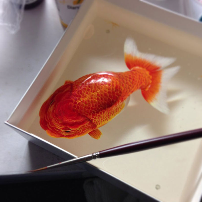 3D Portraits of Undersea Creatures Painted onto Layers of Resin