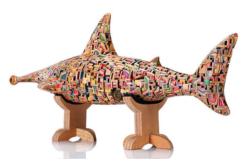 shark sculpture made from old skateboard decks haroshi 11 Sculptures Crafted from Old Skateboard Decks
