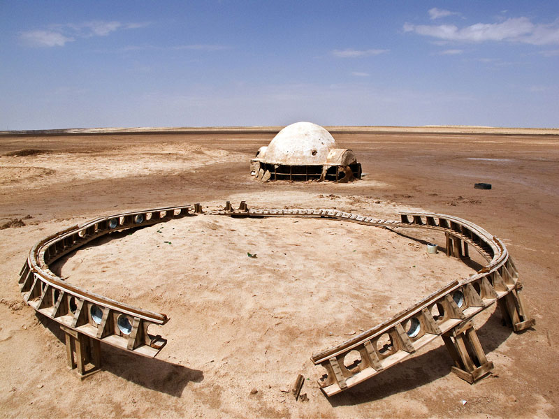 abandoned star wars tatooine movie set tunisia desert lars homestead 6 Chewbacca Tweets an Epic Series of Behind the Scenes Photos from Star Wars