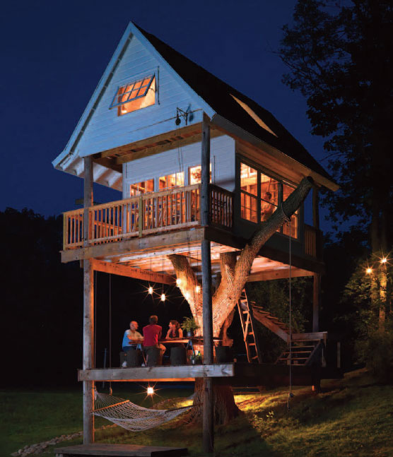 adult treehouse camp wandawega lake resort wisconsin 2 A Cabin so Small it Doesnt Even Require a Permit