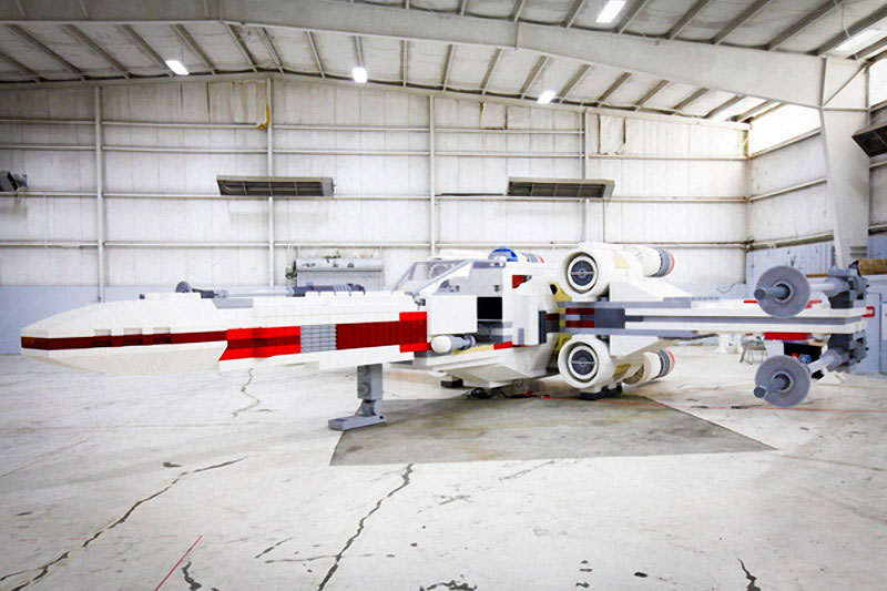 lego star wars x-wing largest lego sculpture ever (2)