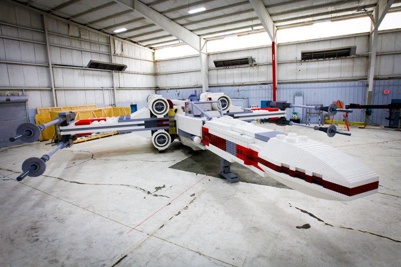 lego star wars x-wing largest lego sculpture ever (4)