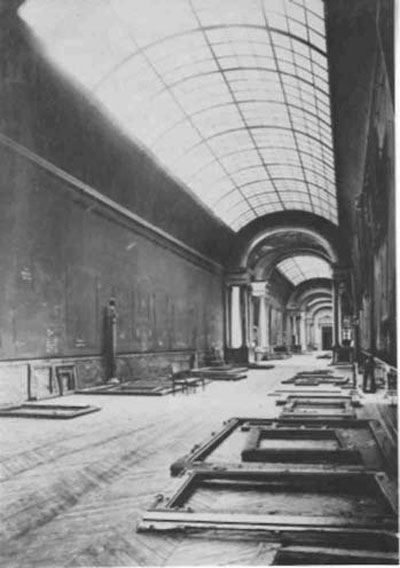 the grande galerie louvre empty world war 2