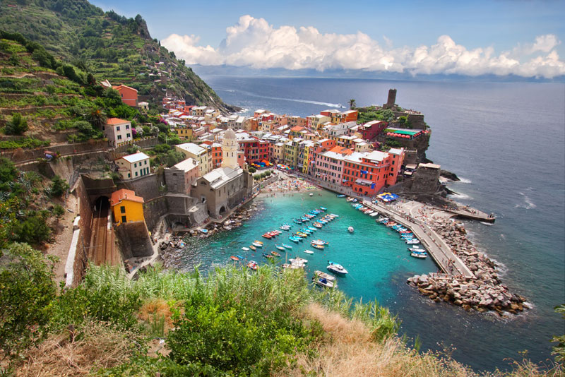vernazza cinque terre italy Picture of the Day: The Seaside Town of Vernazza