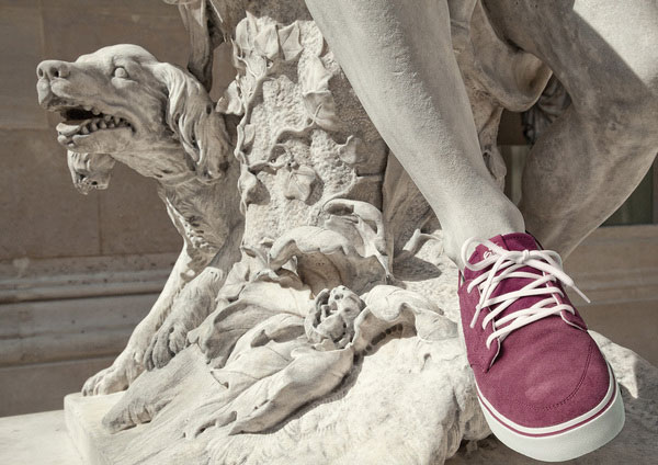 classic statues in modern clothes leo caillard alexis persani (4)