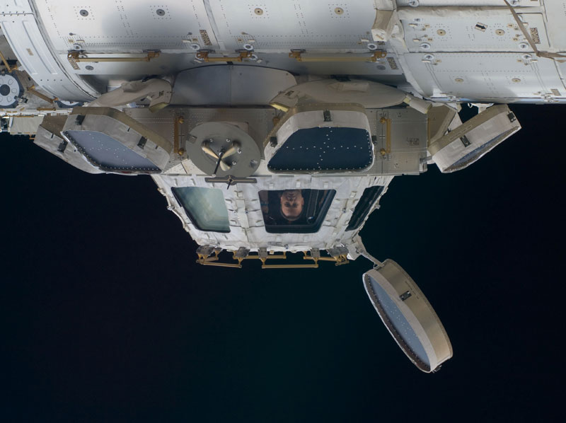 iss cupola the window to the world (3)