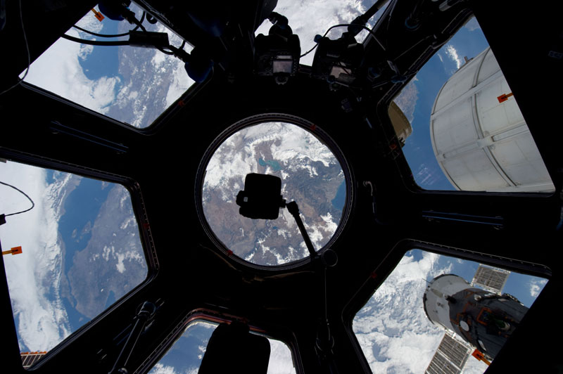 iss cupola the window to the world (4)
