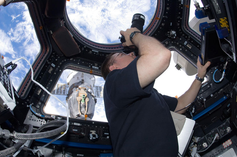 iss cupola the window to the world (9)