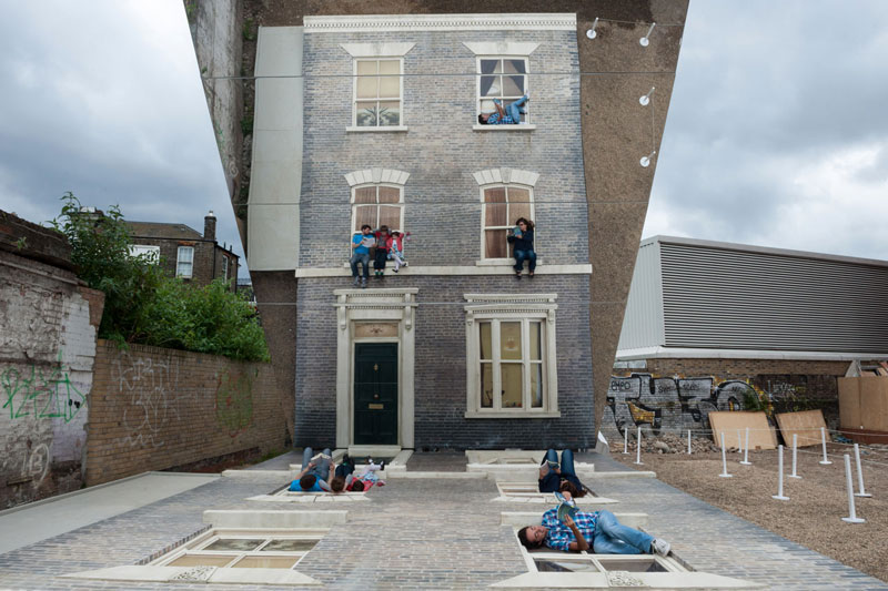 leandro erlich dalston house barbican 1 Artist Covers Car in Chalkboard Paint, Lets People Draw On It