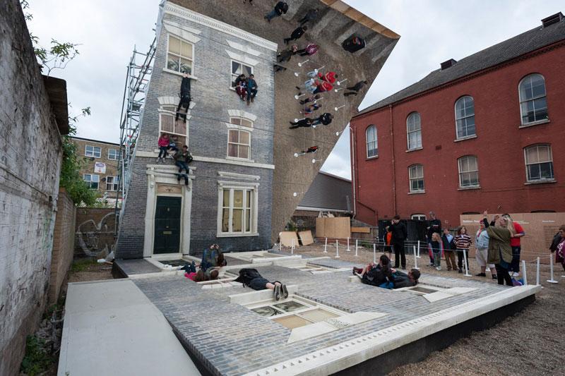 Leandro-Erlich-Dalston-House-barbican (3)