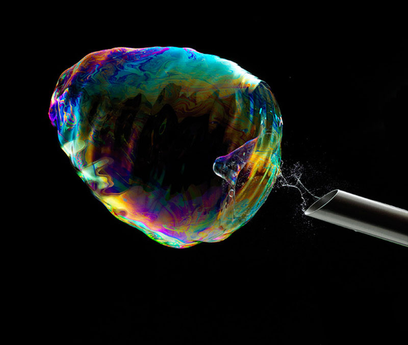 high speed photographs of a soap bubble bursting fabian oefner (1)