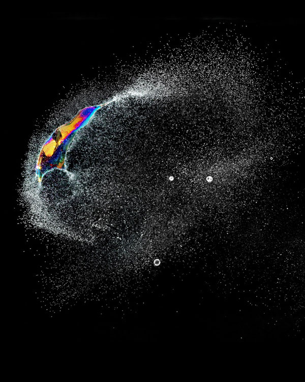 high speed photographs of a soap bubble bursting fabian oefner (6)