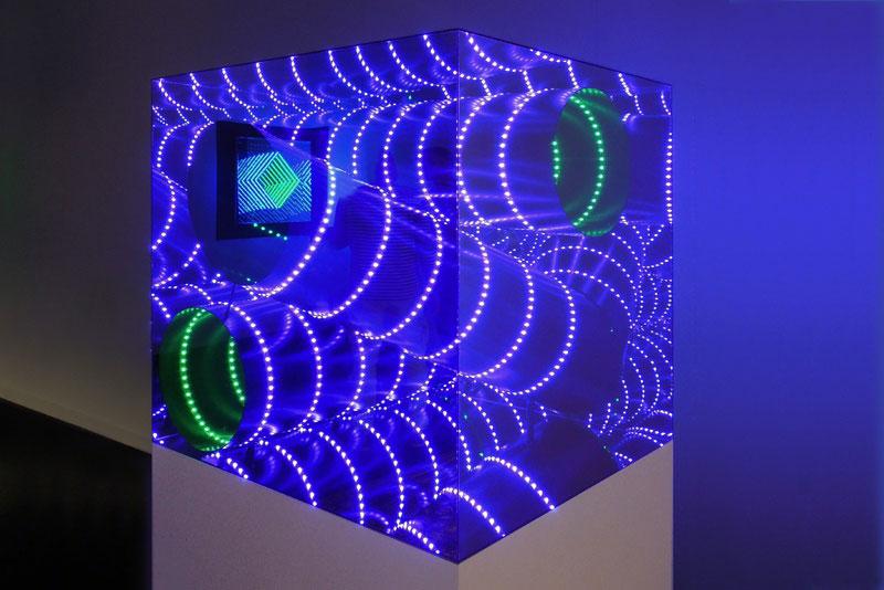 infinite LED artworks plexiglass mirrors hans kotter (7)