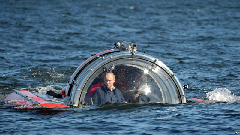 putin going back to evil lair submersible bubble The Shirk Report   Volume 223