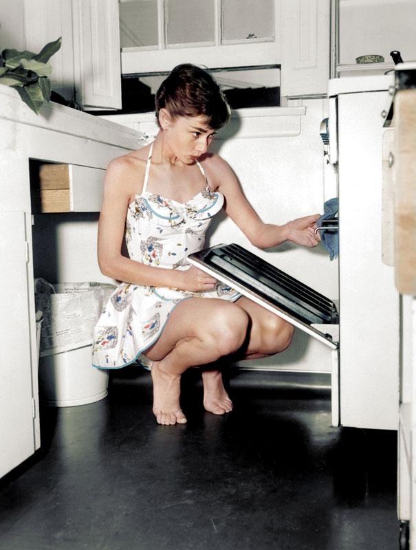 audrey hepburn dana keller 24 Historic Black and White Photos Colorized
