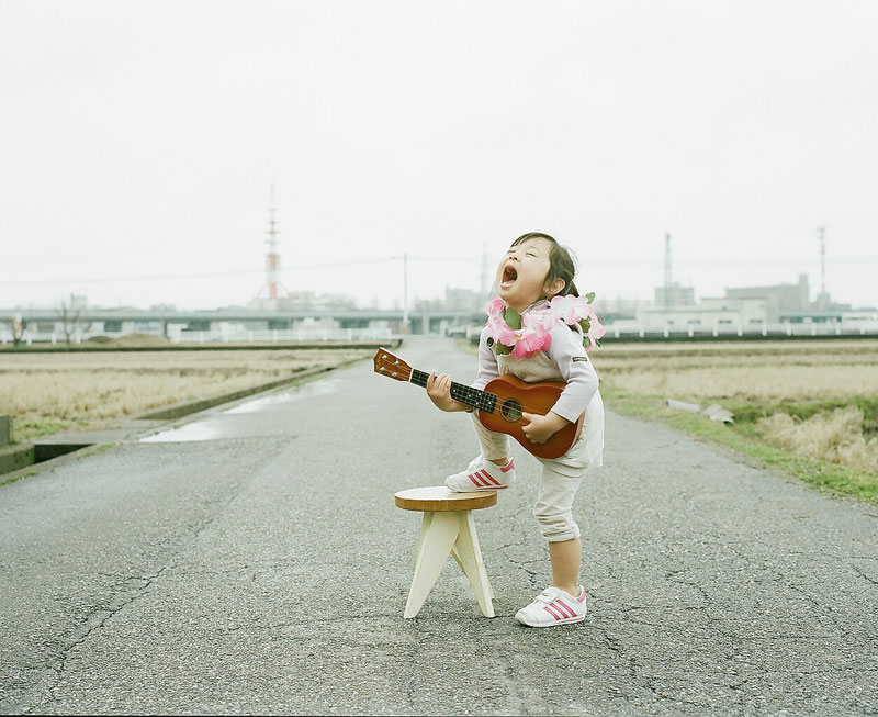 Creative Dad Takes Adorable Portraits of Daughter