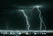 Picture of the Day: Lightning Crashes