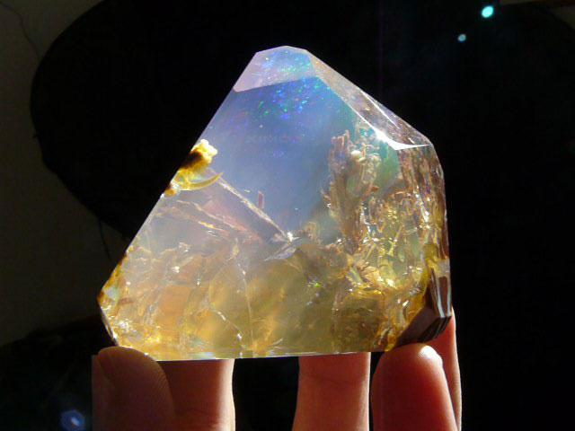ocean inside an opal oregon butte (1)