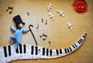 Artistic Mom Turns Nap Time into an Adventure