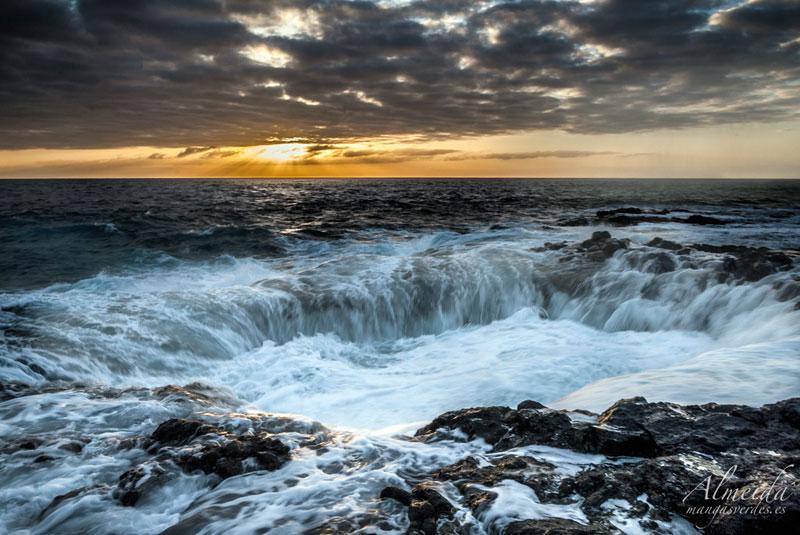Bufadero-de-la-Garita-el-hombre-beach-telde-gran-canaria-canary-islands-spain