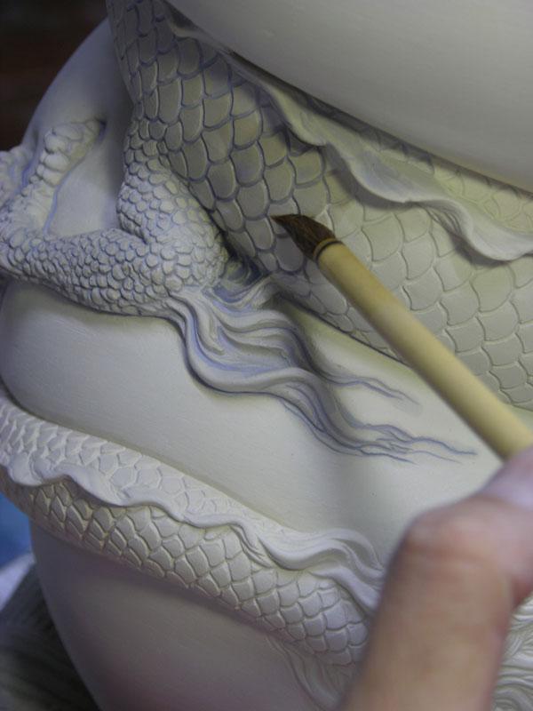 dragon strangling ceramic vase by johnson tsang (12)