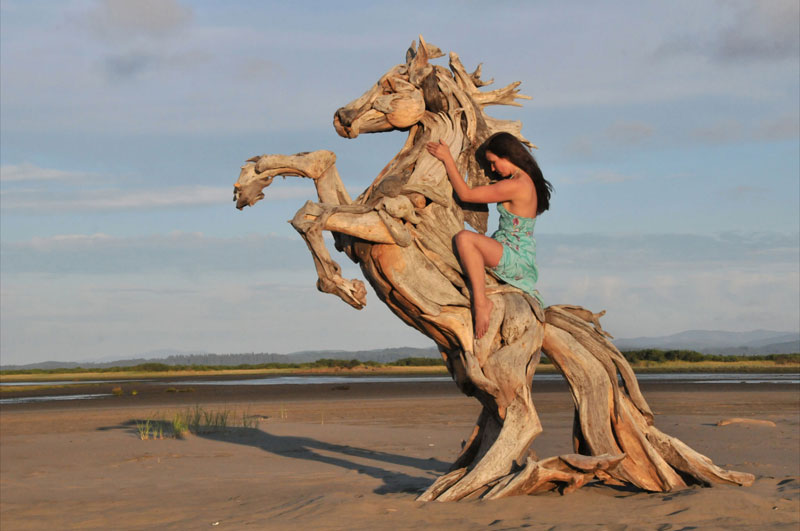 driftwood sculptures by jeffro uitto knock on wood 11 Artist Turns 4000 Pieces of Metal Into 10 ft, 550 pound Lion Sculpture