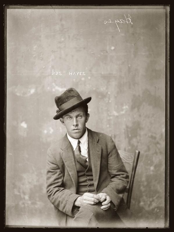 Vintage Candid Mugshots of Dapper Criminals 1920s (2)