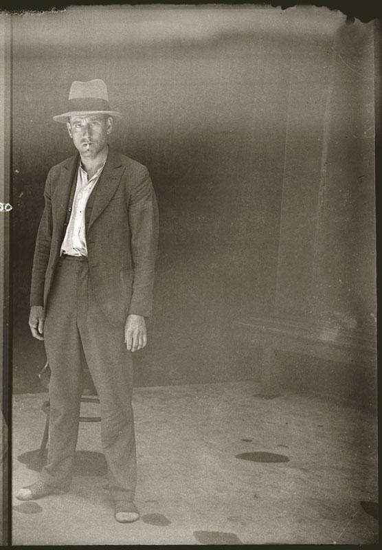 Vintage Candid Mugshots of Dapper Criminals 1920s (37)