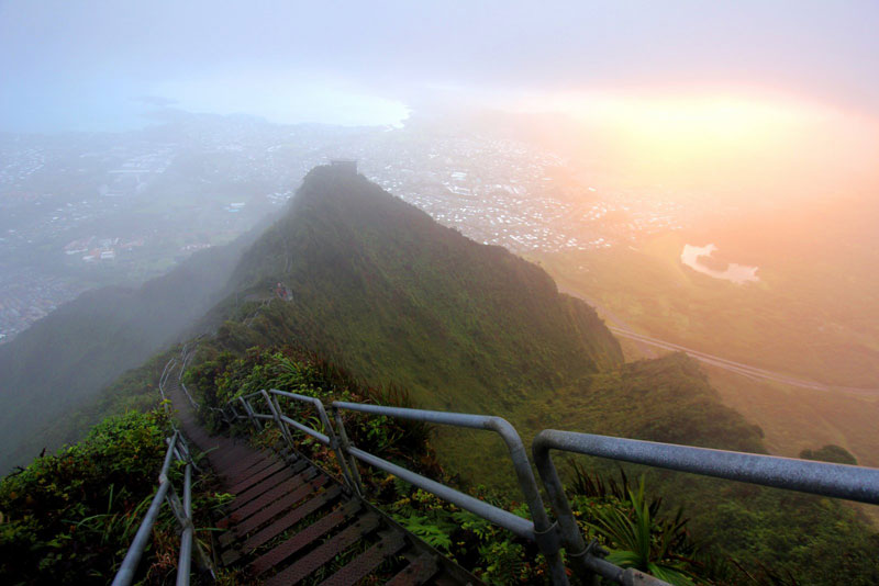 haiku steps stairway to heave hawaii Picture of the Day: Watch Your Step