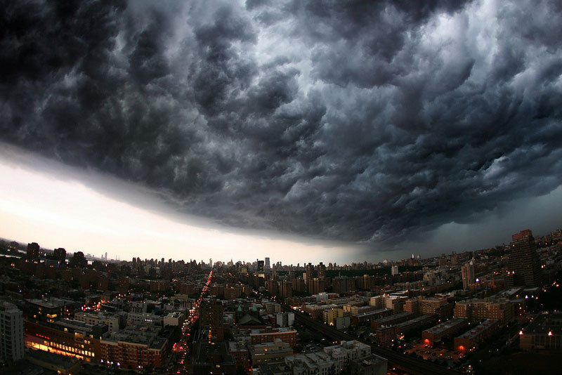incoming storm cloud new york city panoramic 21 Terrifyingly Beautiful Photos of Incoming Storm Clouds