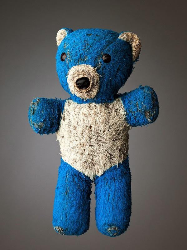 much loved teddy bears and stuffed animals mark nixon (4)