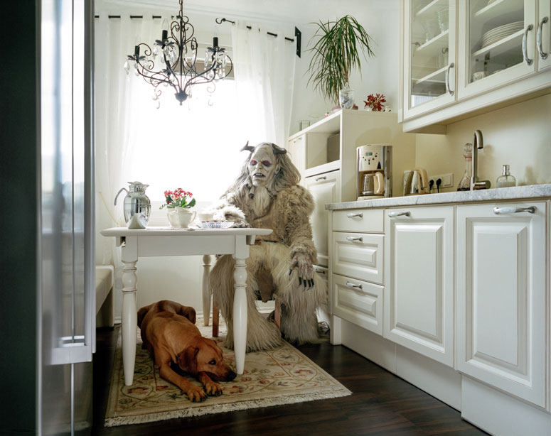 portraits of cosplayers at home by klaus pichler (1)