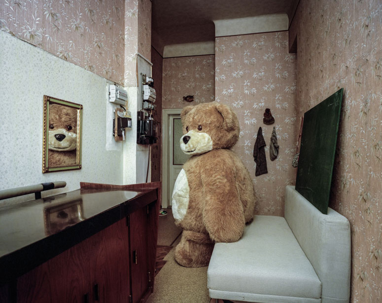 portraits of cosplayers at home by klaus pichler (11)