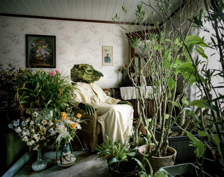 portraits of cosplayers at home by klaus pichler (8)