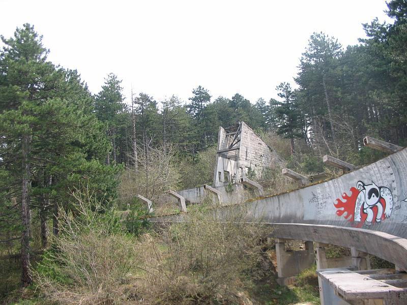 sarajevo 84 winter olympics abandoned bobsleigh luge track bosnia-herzegovina (4)